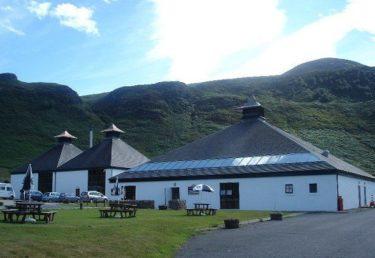 「スコットランドのミニチュア」の島で作られた元祖クラフトウイスキー!!アラン Arran(ロックランザ Lochranza)蒸留所