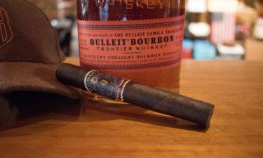 悲劇の事故から一度は消えたバーボン。開拓者のウイスキー『ブレットバーボン Bulleit Bourbon』